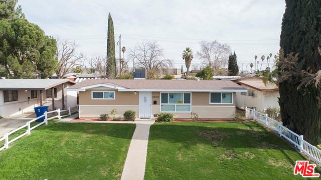 2709 Fordham St., Bakersfield, CA 93305 (#19426090) :: California Realty Experts