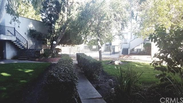 18620 Hatteras Street #167, Tarzana, CA 91356 (#WS19015597) :: California Realty Experts