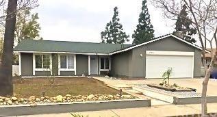 17671 Wabash Avenue, Fontana, CA 92336 (#PV19006657) :: Pam Spadafore & Associates