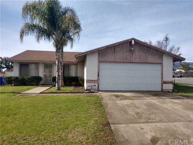 1584 N Yucca Avenue, Rialto, CA 92376 (#CV19015820) :: California Realty Experts