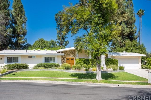 23841 Albers Street, Woodland Hills, CA 91367 (#SR19015153) :: Hart Coastal Group