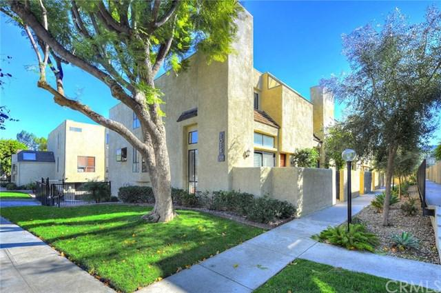 1014 W Riverside Drive #42, Burbank, CA 91506 (#BB19016082) :: Hart Coastal Group
