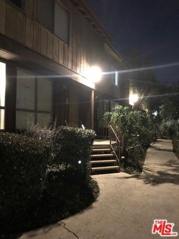 7301 Lennox Avenue B7, Van Nuys, CA 91405 (#19426066) :: California Realty Experts