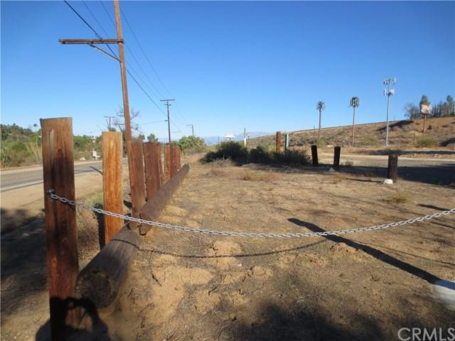 16400 Mockingbird Canyon Rd., Riverside, CA 92508 (#IV19016580) :: The DeBonis Team