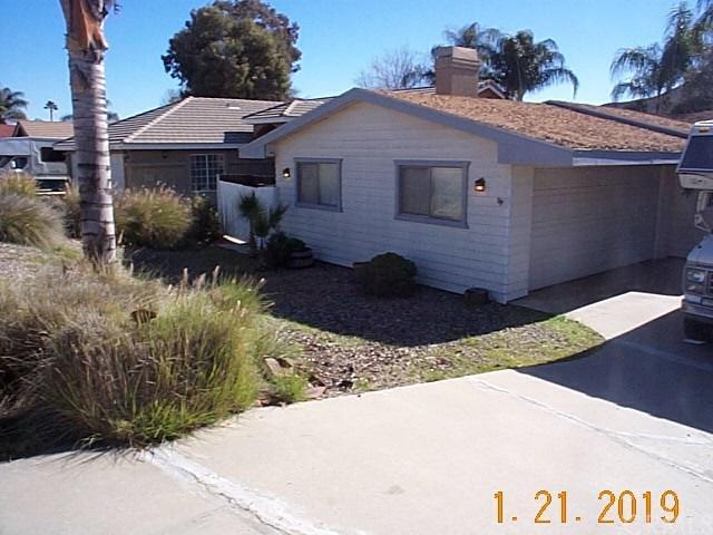 23609 Canyon Lake Drive N, Canyon Lake, CA 92587 (#SW19016328) :: California Realty Experts