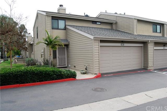 375 Flower Lane, Vista, CA 92083 (#SW19021374) :: Team Tami