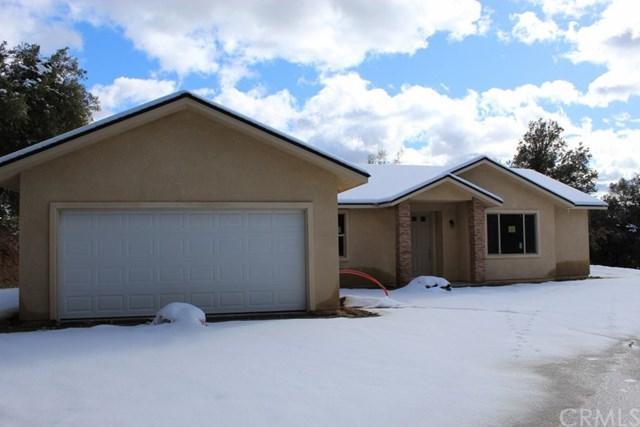 50820 Highland View Lane, Oakhurst, CA 93644 (#FR19028845) :: The Laffins Real Estate Team