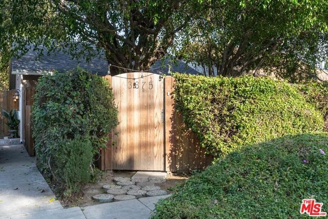 3875 Edenhurst Avenue, Los Angeles (City), CA 90039 (#19429682) :: Team Tami