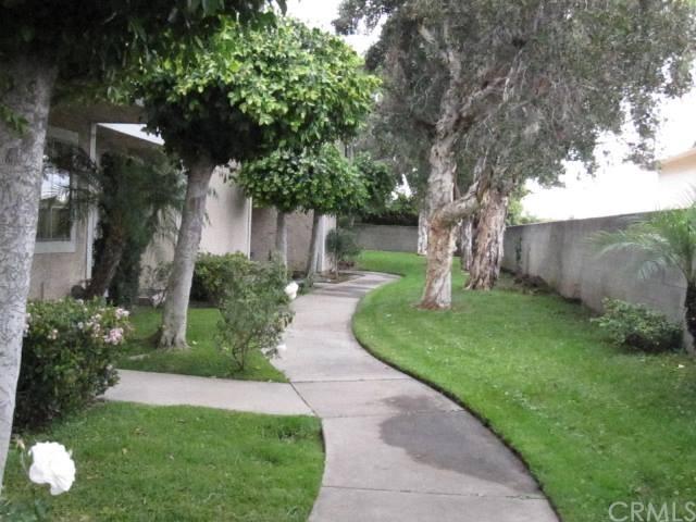 4050 Badillo Circle C, Baldwin Park, CA 91706 (#AR19027406) :: RE/MAX Masters