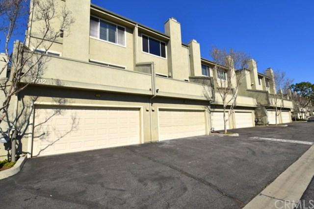15782 Midwood Drive #5, Granada Hills, CA 91344 (#IG19029708) :: The Laffins Real Estate Team