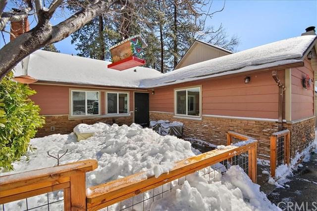 351 Hemlock Drive, Lake Arrowhead, CA 92352 (#EV19030793) :: The Laffins Real Estate Team
