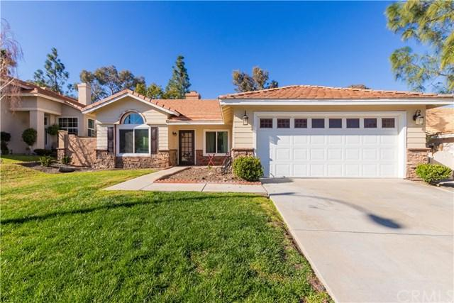 29355 Schooner Lane, Lake Elsinore, CA 92530 (#CV19030778) :: The Marelly Group | Compass