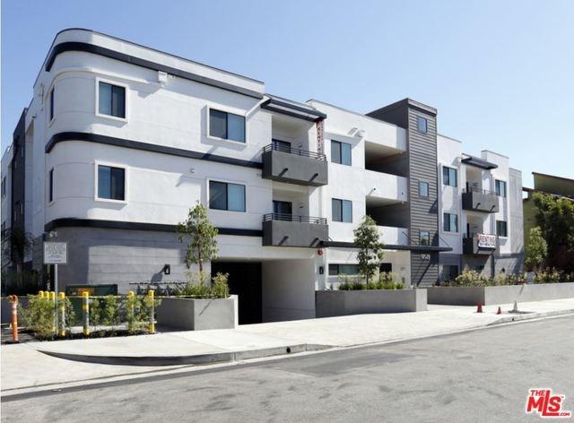 18529 Calvert Street, Tarzana, CA 91335 (#19433112) :: The Laffins Real Estate Team
