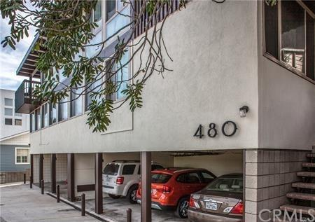 480 Rosecrans Avenue, Manhattan Beach, CA 90266 (#SB19032024) :: The Laffins Real Estate Team