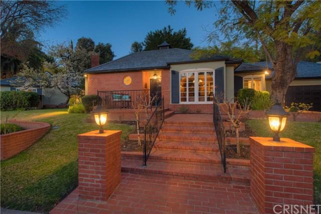 4132 Hayvenhurst Drive, Encino, CA 91436 (#SR19031142) :: The Laffins Real Estate Team