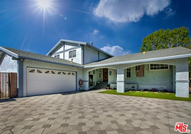 16965 Paulette Place, Granada Hills, CA 91344 (#19433658) :: The Laffins Real Estate Team