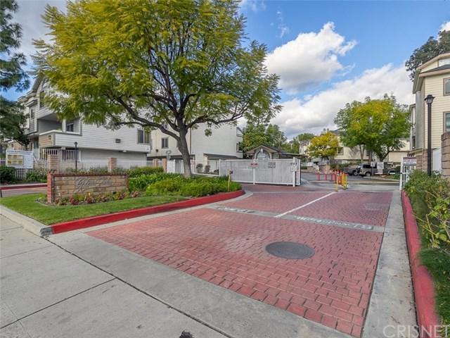 11150 Glenoaks Boulevard #115, Pacoima, CA 91331 (#SR19032884) :: The Laffins Real Estate Team