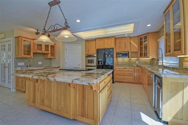 2631 Loma Vista Dr, Escondido, CA 92025 (#190008280) :: The Laffins Real Estate Team