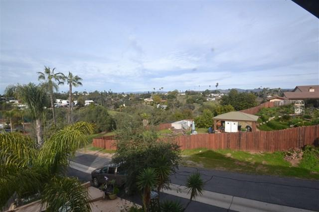252 Vista Grande Gln, Escondido, CA 92025 (#190008327) :: The Laffins Real Estate Team