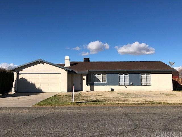 17145 Parkvalley Avenue, Palmdale, CA 93591 (#SR19033592) :: The Laffins Real Estate Team