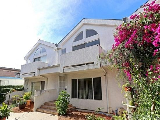 564 W 13th Street E, San Pedro, CA 90731 (#SB19034225) :: Go Gabby