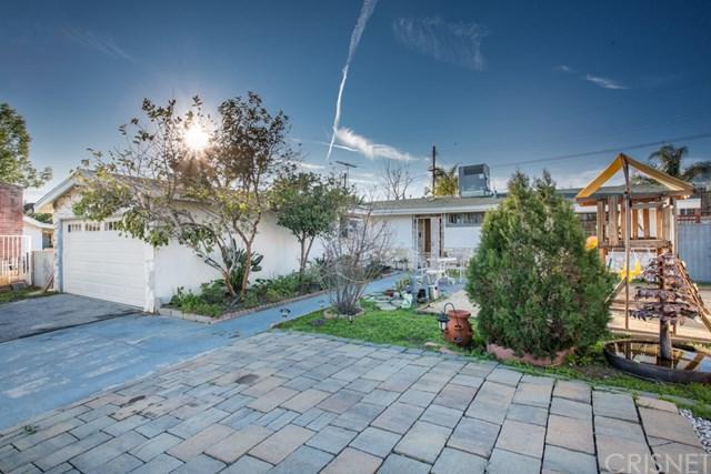 13641 Phillippi Avenue, Sylmar, CA 91342 (#SR19034333) :: The Laffins Real Estate Team