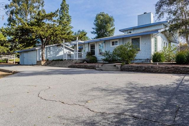 2525 Yesteryear Ln, Fallbrook, CA 92028 (#190008584) :: The Laffins Real Estate Team