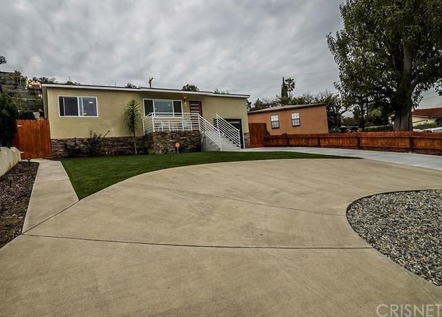 4090 Newton Street, Torrance, CA 90505 (#SR19033678) :: Team Tami