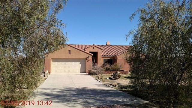 3277 Frying Pan Rd, Borrego Springs, CA 92004 (#190008622) :: The Laffins Real Estate Team