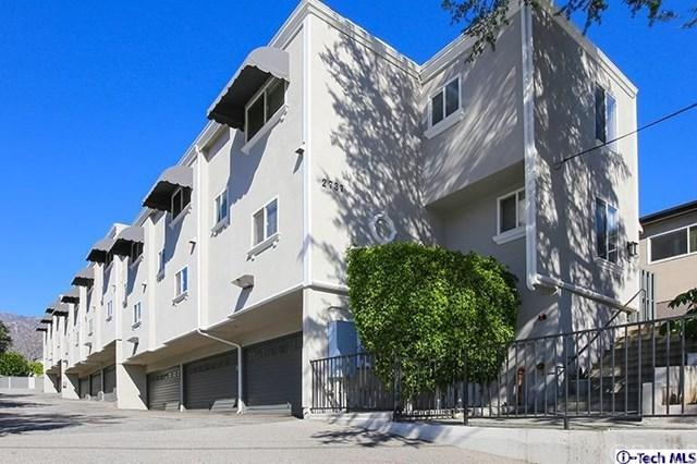 2737 Montrose Avenue #3, Montrose, CA 91020 (#319000596) :: The Brad Korb Real Estate Group