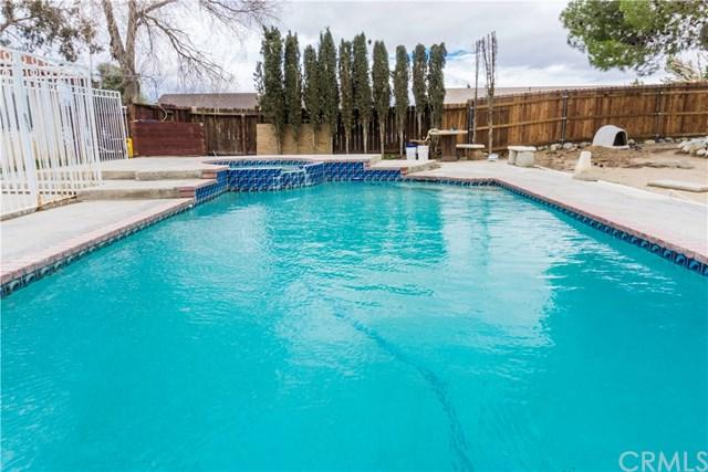 14025 Northstar Avenue, Victorville, CA 92392 (#EV19034952) :: The Laffins Real Estate Team