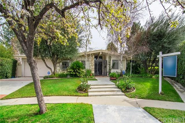 4406 Willens Avenue, Woodland Hills, CA 91364 (#SR19034372) :: The Marelly Group | Compass