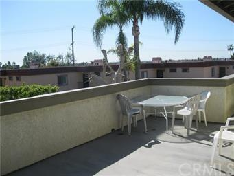2856 N Oceanview Avenue, Orange, CA 92865 (#OC19035191) :: Zilver Realty Group
