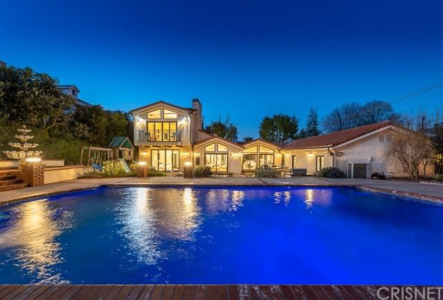 17930 Rancho Street, Encino, CA 91316 (#SR19035307) :: The Laffins Real Estate Team