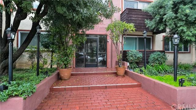 5414 Newcastle Avenue #13, Encino, CA 91316 (#BB19032632) :: The Laffins Real Estate Team