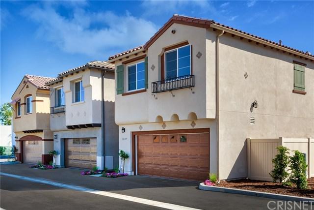 14840 W Castille Way, Sylmar, CA 91342 (#SR19035113) :: The Laffins Real Estate Team