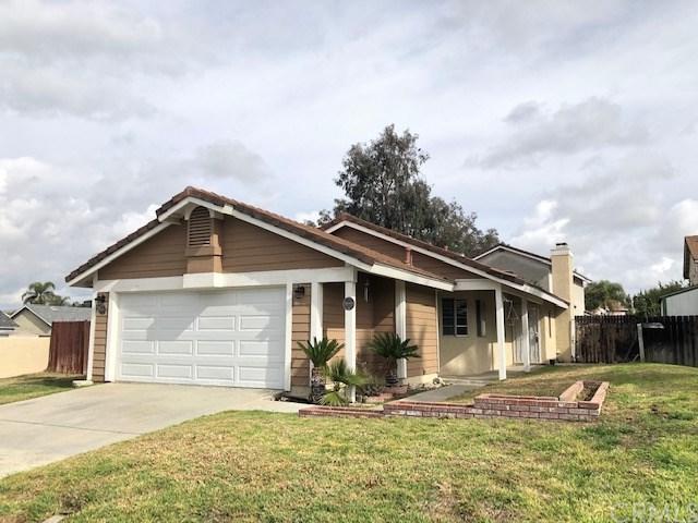 11685 Lemonwood Court, Fontana, CA 92337 (#IV19033623) :: The Laffins Real Estate Team