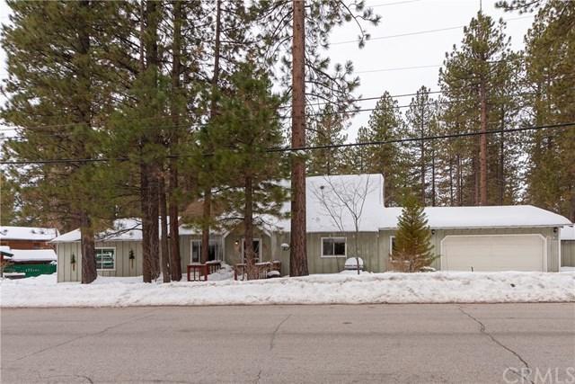 908 Canyon Road, Fawnskin, CA 92333 (#EV19035597) :: The Laffins Real Estate Team