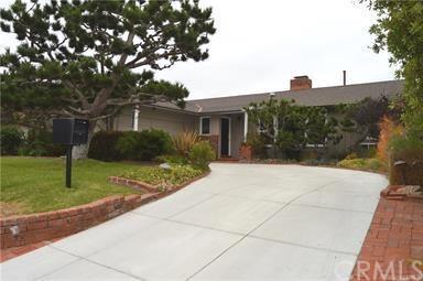 2957 La Carlita Street, Hermosa Beach, CA 90254 (#SB19035627) :: Keller Williams Realty, LA Harbor