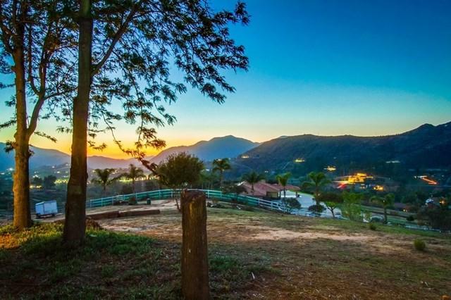5973 Stallion Oaks Rd, El Cajon, CA 92019 (#190008942) :: The Laffins Real Estate Team