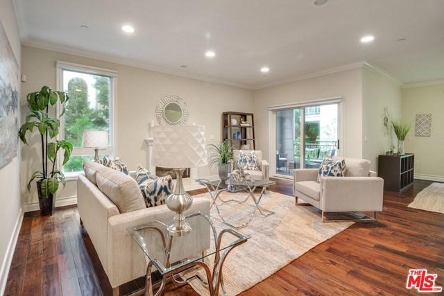 2347 Fox Hills Drive #303, Los Angeles (City), CA 90064 (#19433898) :: PLG Estates