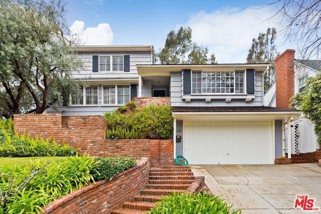 321 S Bentley Avenue, Los Angeles (City), CA 90049 (#19434390) :: PLG Estates