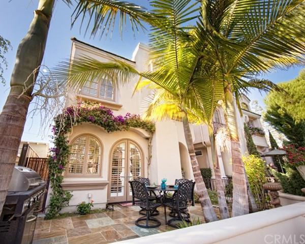 517 Fernleaf Avenue, Corona Del Mar, CA 92625 (#NP19032891) :: McKee Real Estate Group Powered By Realty Masters & Associates