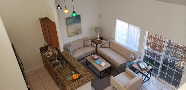 613 W 3rd Street #1, Long Beach, CA 90802 (#PW19036419) :: Heller The Home Seller