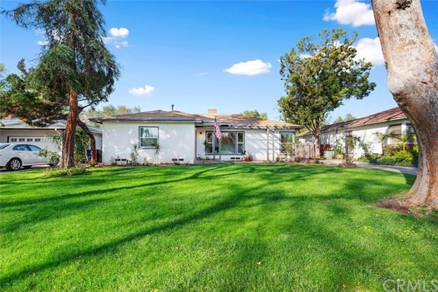 4561 Emerson Street, Riverside, CA 92506 (#IV19035935) :: Team Tami