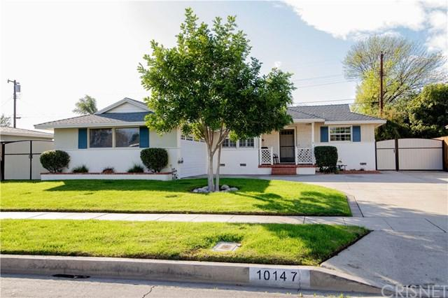 10147 Gloria Avenue, Granada Hills, CA 91343 (#SR19022506) :: Team Tami