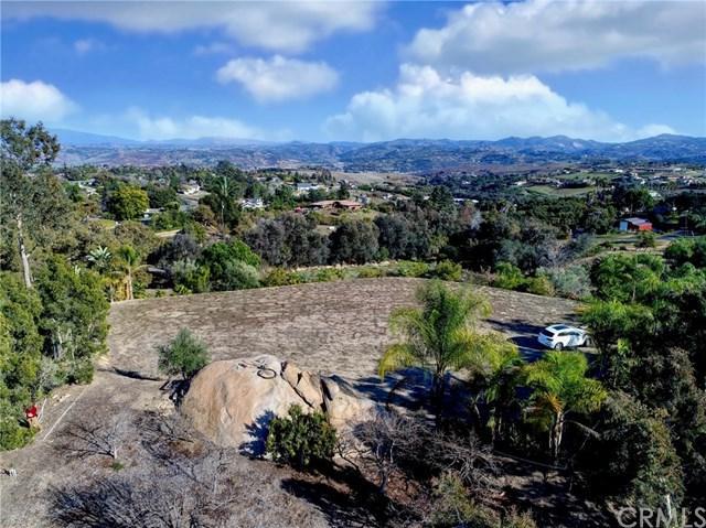 477 Morro Hills Road, Fallbrook, CA 92028 (#ND19037026) :: Beachside Realty