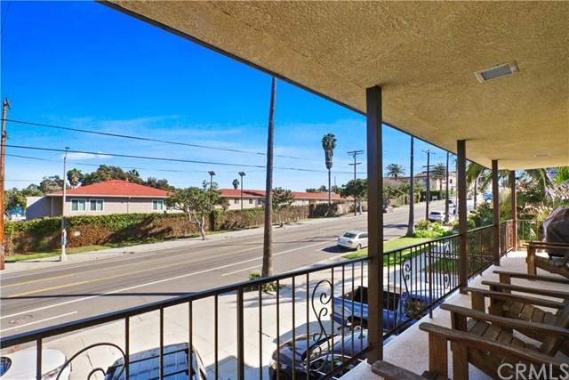 3445 S Pacific Avenue, San Pedro, CA 90731 (#PW19037324) :: Millman Team