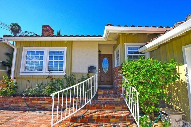 2120 Ronsard Road, Rancho Palos Verdes, CA 90275 (#PV19037296) :: Millman Team
