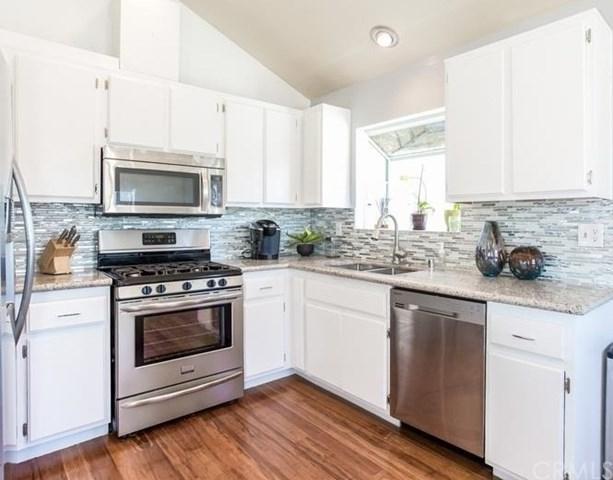 1701 W 147th Street #5, Gardena, CA 90247 (#SB19036288) :: Millman Team